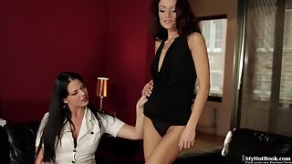 Brunette Girls Nipple Sucked Each Other Indoors