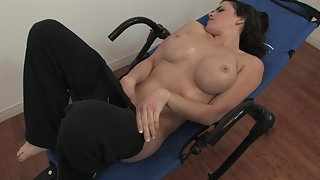 Busty brunette girl loves to masturbate in the gym